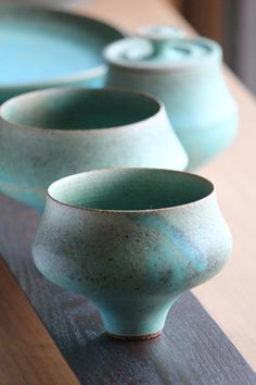 Makiko Suzuki - Cups. The glaze is magical.