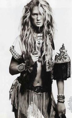 Toni Garrn for Vogue Spain April 2011 extreme boho Moda Tribal, Tribal Mode, Moda Boho, Bohemian Mode, Hippie Chic, Bohemian Style, Boho Chic, Bohemian Clothing, Modern Hippie