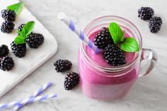 Consistent exercise can take a toll on your body without the proper recovery drink! This post-workout smoothie has everything you need to replenish your muscles after a tough workout! Best Post Workout, Post Workout Protein, Post Workout Smoothie, Fitness Smoothies, Smoothie Prep, Yummy Smoothies, Natural Appetite Suppressant, Spirulina Powder, Allergy Symptoms