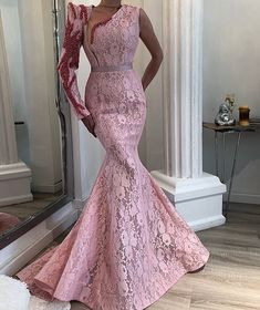 Fish in long sleeves and sleeveless. Pink Prom Dresses, Cheap Evening Dresses, Mermaid Prom Dresses, Elegant Dresses, Evening Gowns, Beautiful Dresses, African Lace Dresses, African Fashion Dresses, Party Gowns
