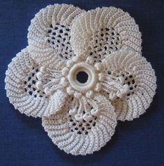 вязанные цветы