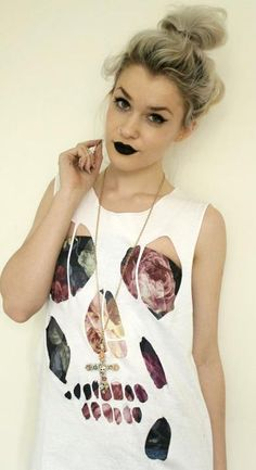 Love the black lipstick. Can't pull it off :( Cuz I'm ghostly pale and have black hair...I'd look waaayyy too goth