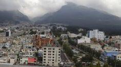 El cielo nublado en Quito volvió a aparecer, después de jornadas de intenso calor. Foto: Archivo/ EL COMERCIO