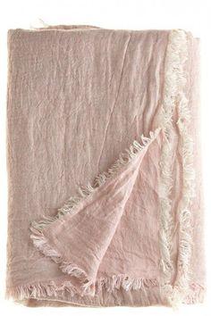 Dusty pink linen blanket, looks soo comfy Linen Fabric, Linen Bedding, Bedding Sets, Textiles, Deco Rose, Fibre Textile, Home Decoracion, Linens And Lace, Pretty In Pink