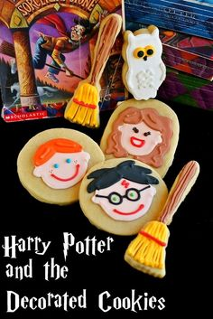 Harry Potter Cookies : More Tasty than a Chocolate Frog Cute Harry Potter, Harry Potter Food, Harry Potter Birthday, Cut Out Cookies, Sugar Cookies, Fancy Cookies, Shortbread Cookies, Potter Puppet Pals, Decorated Cookies