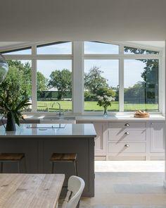 If we bump out Kitchen Layout, New Kitchen, Kitchen Design, Kitchen Interior, Kitchen Decor, Cocinas Kitchen, Beautiful Kitchens, Interior Design Inspiration, Bump