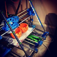 Something we liked from Instagram! #3dprinter #3dprint #halloween #jackolantern #ecksbot #alligatorboard by 3dhubsbry check us out: http://bit.ly/1KyLetq