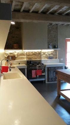 Sfoglia le immagini di Cucina in stile in stile Rustico di BioMalta RAL 7010 Grigio Tenda. Lasciati ispirare dalle nostre immagini per trovare l'idea perfetta per la tua casa.