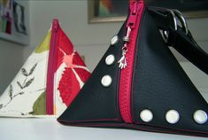 homemade-pyramid-purses