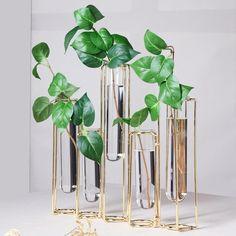 Bud Vases, Flower Vases, Flower Pots, Geometric Flower, Flower Holder, Metal Vase, Vase Shapes, Vase Fillers, Metal Flowers
