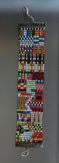 Designed/loomed by Bev Berthoty. Inspired by Julie Rofman.