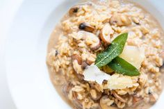 How to make our luxurious and creamy mushroom risotto recipe with a mushroom infused stock, parmesan cheese and fried sage. Risotto Recipes, Soup Recipes, Pasta Recipes, Free Recipes, Keto Recipes, Vegetarian Recipes, Creamy Mushrooms, Stuffed Mushrooms, Stuffed Peppers