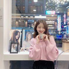 South Korean Girls, Korean Girl Groups, Ruffle Blouse, Beautiful, Women, Happy Birthday, Fashion, Women's, Happy Brithday