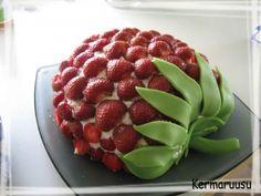 Täytekakkupohja - Kermaruusu - Vuodatus.net Raspberry, Strawberry, Fruit, Food, Essen, Strawberry Fruit, Meals, Raspberries, Strawberries