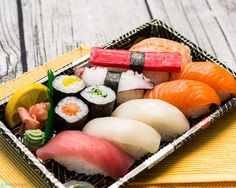 Vienna, Sushi, Asian, Ethnic Recipes, Food, Kitchens, Meal, Essen, Hoods