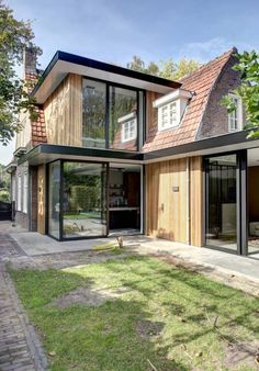 Interior Exterior, Exterior Design, Chalet Design, House Extension Design, Village House Design, Bungalow Renovation, Exterior Makeover, House Extensions, Mid Century House