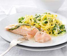 Saumon et nouilles à la laitue romaine