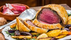 For an elegant main course, wrap tender filet mignon in buttery pastry for Tyler Florence's Ultimate Beef Wellington recipe from Food Network. Beef Wellington Recipe, Top Recipes, Beef Recipes, Filet Steak, Steak Wraps, Gordon Ramsey, Beef Tenderloin, Healthy Eating Tips, Travel