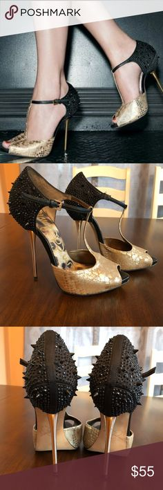 ⭐️Sam Edelman Scarlett gold/black spike heels 10⭐️ Wonderful condition. Worn a handful of times so there is some wear on bottoms as pictured. No spike or jewels missing. Comes from a smoke free home. Heel height 4 inches. Sam Edelman Shoes Heels