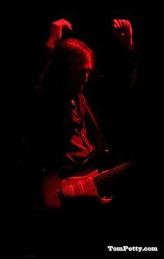 King Bee, Tom Petty, Twenty One Pilots, Cool Bands, The Twenties, Revolution, Toms, Hearts, Felt