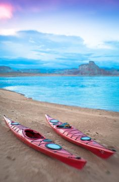 Learn everything about planning an overnight kayak trip on Lake Powell, including route & camping info, kayak rentals & the best time to visit.
