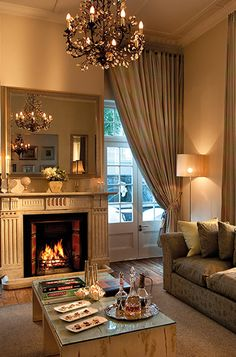 Cape Cadogan luxury boutique hotel in Cape Town city for that home away from home feeling Provence, Georgian Mansion, Cape Town Hotels, Cozy Corner, Better Homes, Cozy House, Home Renovation, South Africa, Beautiful Homes