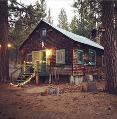 i want this cabin Cabin Homes, Log Homes, Cabins And Cottages, Log Cabins, Little Cabin, Cozy Cabin, Cabins In The Woods, My Dream Home, Interior And Exterior