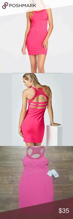 FABLETICS TROPEZ DRESS FITTED STRAP BACK- XS/4 FABLETICS TROPEZ DRESS SIZE XS/4 FITTED STRAPPY BACK TANK HOT PINK W/ BRA Who said dresses were meant to be dainty? We created an all-new lifestyle dress that's built for movement. Enjoy a compression feel and built-in bra with removable cups. Fabletics Dresses