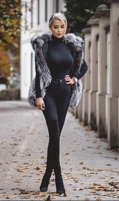 Fur Fashion, Fashion Beauty, Fashion Looks, Womens Fashion, Chic Outfits, Pretty Outfits, White Girls, Street Chic, Business Fashion