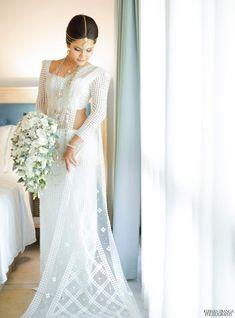 Sri Lankan Wedding Saree, Sri Lankan Bride, Bridesmaid Saree, Wedding Bridesmaids, White Saree Wedding, Srilankan Wedding, Saree Styles, Garden Wedding, Bridal Dresses