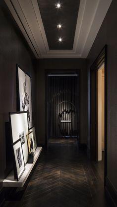 60 идей темного пола в интерьере: варианты оформления, лучшие сочетания (фото) http://happymodern.ru/temnyj-pol-v-interere/ Темный паркет и стены выглядят очень эффектно и дорого