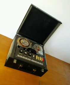 Reel to reel Sharp ANDANTE Stereo tape recorder in Electronics, Vintage…