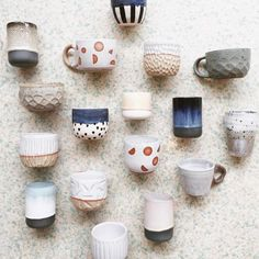 Inexpensive, elegant and versatile, pottery is a worthwhile addition to your home, and you should definitely consider getting some for your interior design project. Pottery is used to decorate diff… Pottery Mugs, Ceramic Pottery, Ceramic Cups, Ceramic Art, Keramik Design, Kitchenware, Tableware, Pottery Classes, Ceramic Painting