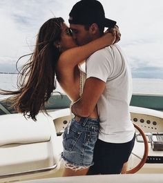 Couple goals are basically date ideas for you, ranging from cheap and easy to over-the-top and luxurious. Come find out what couple goals suit you! Cute Relationship Goals, Cute Relationships, Couple Relationship, Cute Couple Pictures, Couple Photos, Prom Pictures, Beautiful Pictures, Couple Goals Cuddling, Negin Mirsalehi