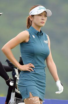 Girls Golf, Ladies Golf, Asian Woman, Asian Girl, Melissa Supergirl, Great Women, Golf Outfit, Korean Girl, Athlete