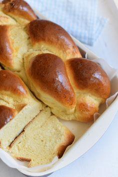 Tepsis, foszlós fonott kalács bögrésen | Rupáner-konyha Hungarian Desserts, Hungarian Recipes, Pastry Recipes, Cake Recipes, Cooking Recipes, Baking And Pastry, Bread Baking, Savory Pastry, Bread And Pastries