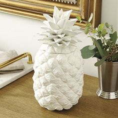 You know it's summer time when everyone is decorating with pineapples! | Lanai Pineapple