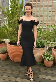 Actress Kate Beckinsale attends the Oscar De La Renta front Row during New  York Fashion Week  The Shows at Spring Studios Terrace on September 2018 in  New ... ba9f5cb0c594