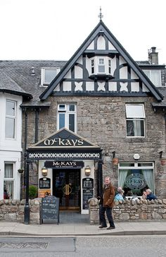 ~Pitlochry's great value pub entertainment and food venue at McKays bar and restaurant~Scotland