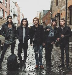 Asking Alexandria - Danny Worsnop, Ben Bruce, Cameron Liddell, James Cassells, Sam Bettley My idols.