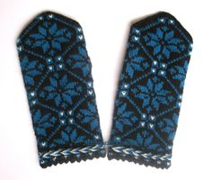 Hand knitted warm mittens Winter mittens Blue star ornament on a black background Exclusive Gift idea Fingerless Mittens, Knit Mittens, Wool Gloves, Mittens Pattern, Star Ornament, Christmas Knitting, Hand Warmers, Hand Knitting, Winter Gloves