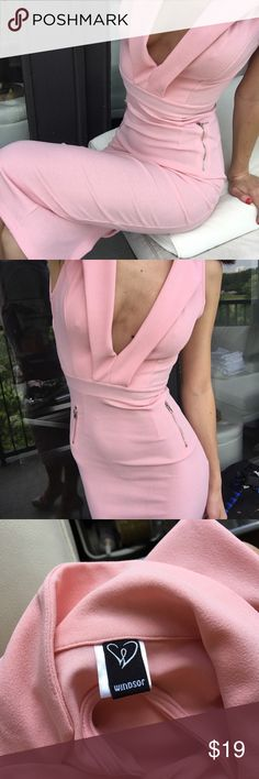 Pink open back midi dress Beautiful dress, worn once, in great condition size XS, open back and back slit WINDSOR Dresses Midi