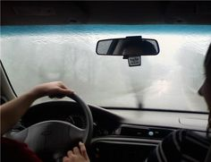 How To De-Mist Your Car's Windscreen Quickly