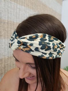 Top knot headband at Isla Maree, Clothing for Curves and home to a lovingly curated collection of Plus Size and Inbetweenie Fashion. Plus Size Summer, Knot Headband, Top Knot, Knots, Curves, Lemon, Clothes, Collection, Fashion