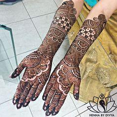 Intricate patterns and exquisite textures! #henna: @hennabydivya _______________________________ #IndianWeddingBuzz #indianwedding #indianweddings #indianweddinginspiration #weddinginspiration #realwedding #realindianwedding #indianbride #wedding #weddings #weddingday #weddinginspiration #bride #love #fun #cute #henna #hennatattoo #mehndi #hennadesign