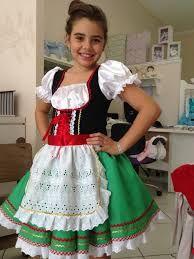 Resultado de imagem para crianças Italianas com traje típico.