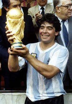 Retro Football, World Football, Nike Football, Soccer Pro, Football Players, History Of Soccer, Argentina Football Team, Mexico 86, Real Madrid Team