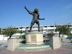 City Tour in Santa Marta in Santa Marta, Colombia Colombian Cities, Colombian Art, Santa Marta, Conquistador, Caribbean Sea, Sierra Nevada, Historical Sites, South America, Statue Of Liberty