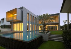 Ocean Drive Residence in Singapore by SCDA Architects