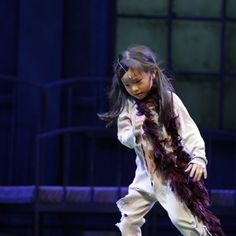 A very cute Molly in Annie the musical. The season starts from 10 July to 5 August 2012 at the Sands Theatre in Marina Bay Sands